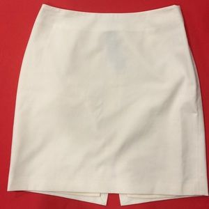 The Limited Stretch White skirt
